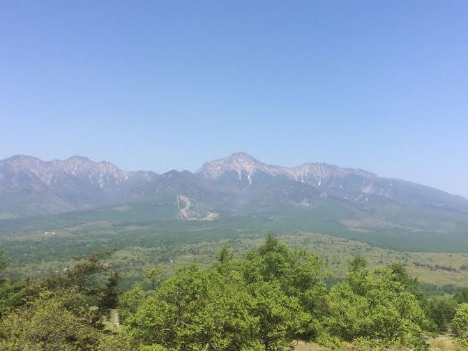八ヶ岳を望みながら、散策